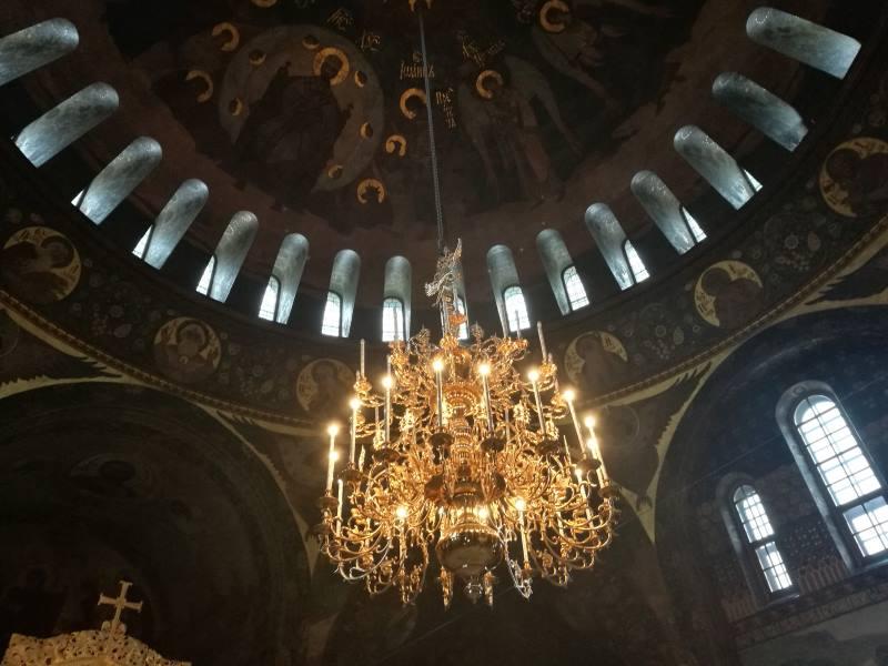 Στο εσωτερικό εκκλησίας του μοναστηριού