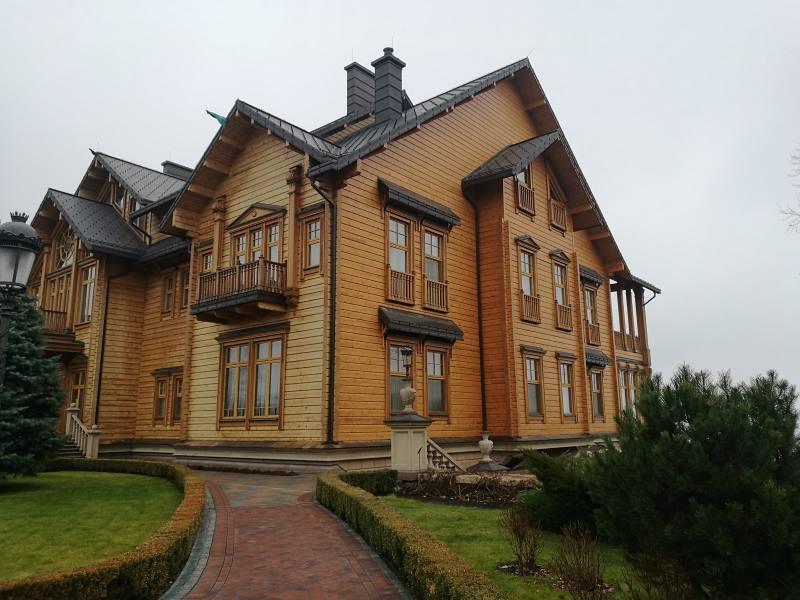 Στην πρώην κατοικία του Γιανουκόβιτς