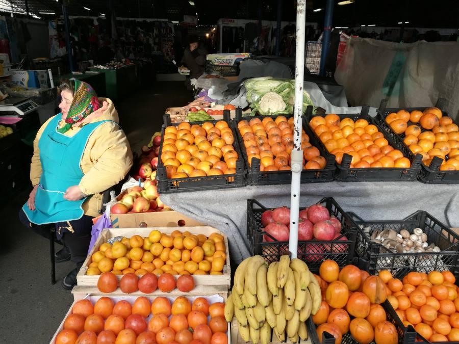 Στην τοπική λαική αγορά